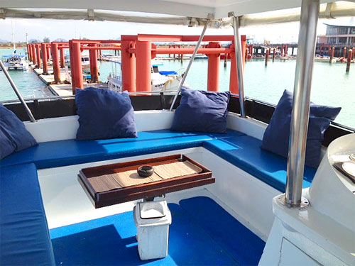 Sailfish 3, very comfortable flydeck.
